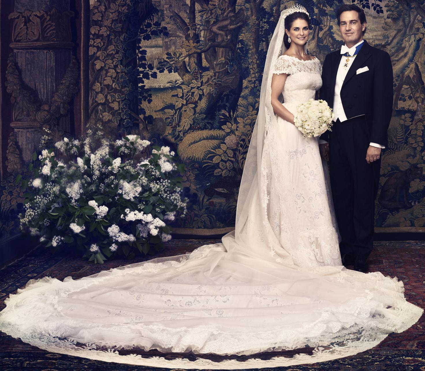 bca25bf56124 Lad dig inspirere af de mest ikoniske royale brudekjoler
